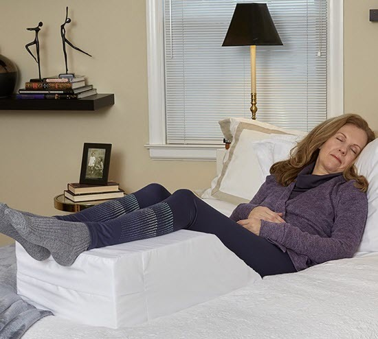 Hermell Zero Gravity Elevating Leg Rest Pillow
